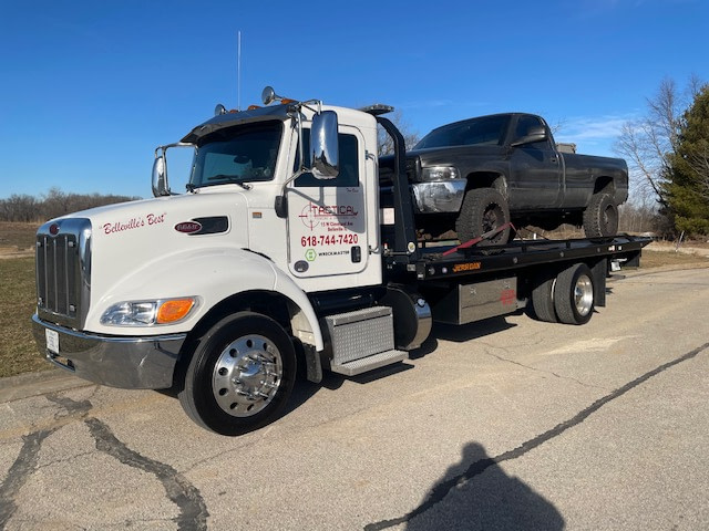 Tactical Towing Medium Duty Flatbed Towing 2 in Belleview Illinois